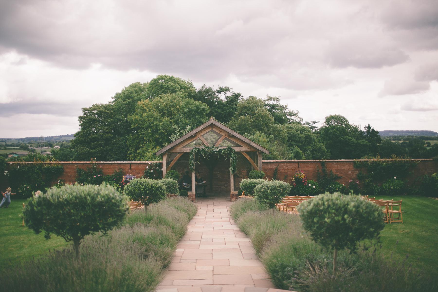 upton-barn-walled-garden-devon-wedding-photography-111