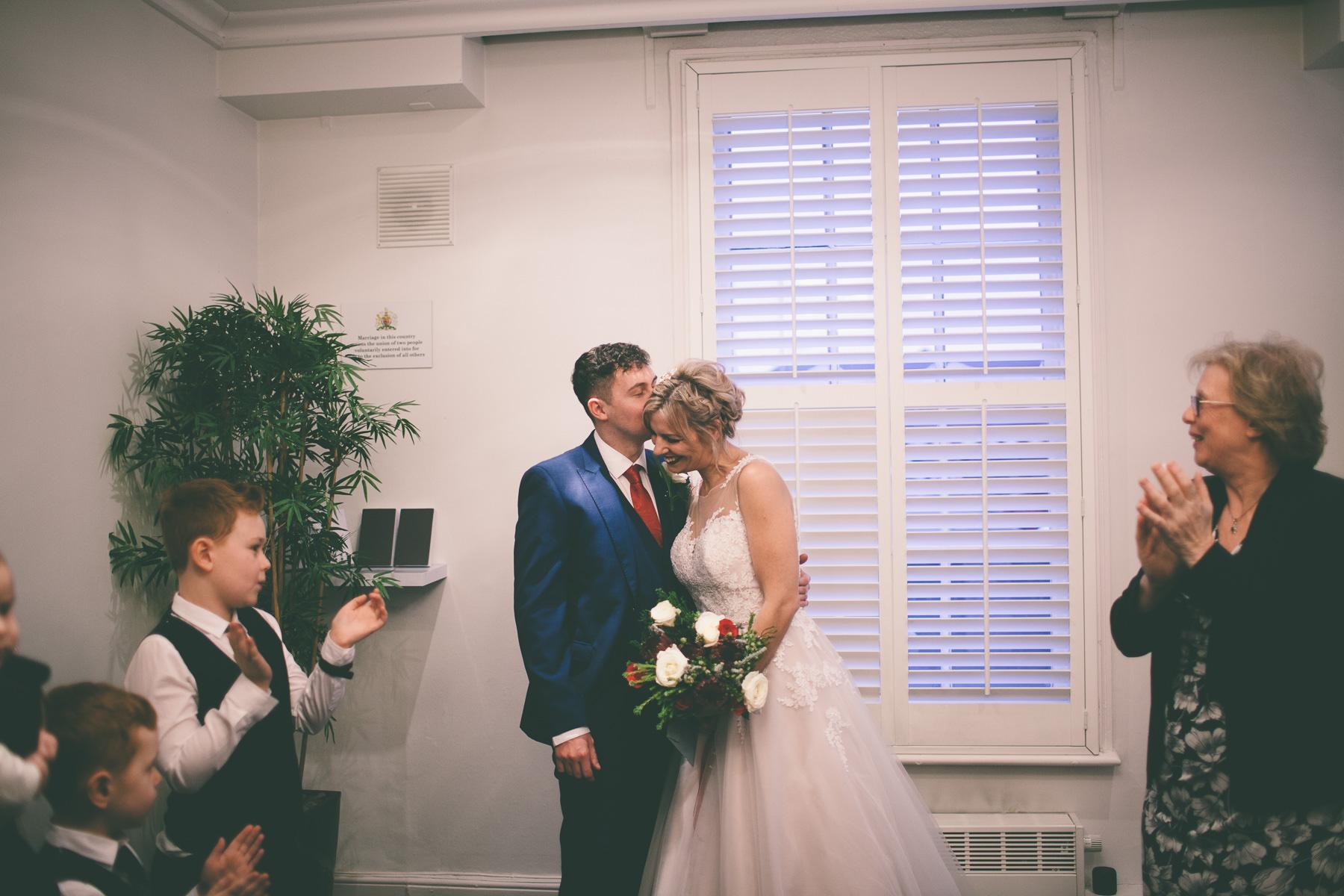 Titchfield-abbey-fareham-registry-wedding-photography-Jessica-and-Lance-web-190