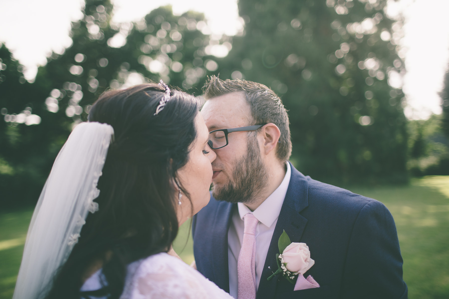 bartley-lodge-hotel-hampshire-wedding-photography-165
